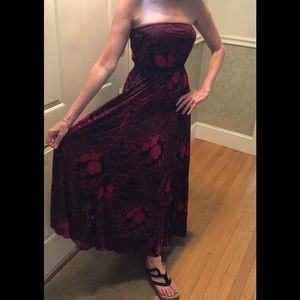 Stunning all season BOHO maxi dress NWT size S